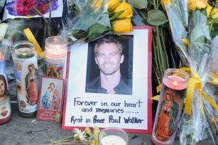 Homenagem ao ator Paul Walker  em 1 de dezembro de 2013 (AFP/Arquivos, ROBYN BECK)