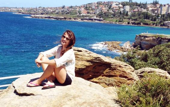 Maísa em Coogee Beach Foto: acervo pessoal)